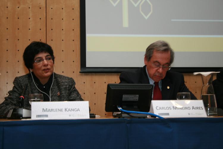 Dr Marlene Kanga and Ordem dos Engenheiros President Carlos Mineiro Aires during the symposium