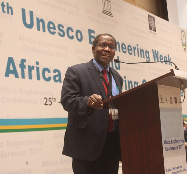 FAEO Past President Julius Riungu at the Africa Engineering Conference 2017 / UNESCO Africa Engineering Week